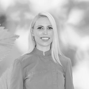 Nina Kotnik-Travnik<br /> dr. dent. med.